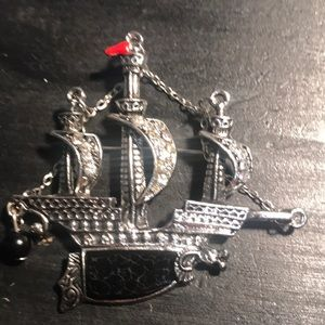 Jewelry - Vintage silvertone and rhinestone ship pin